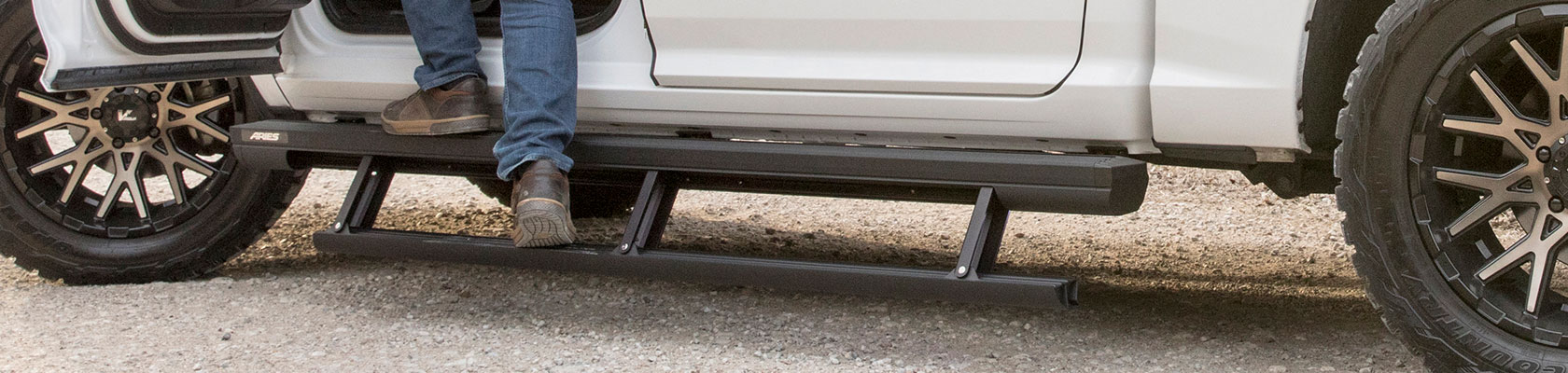 Learn about ActionTrac™ Powered Running Boards